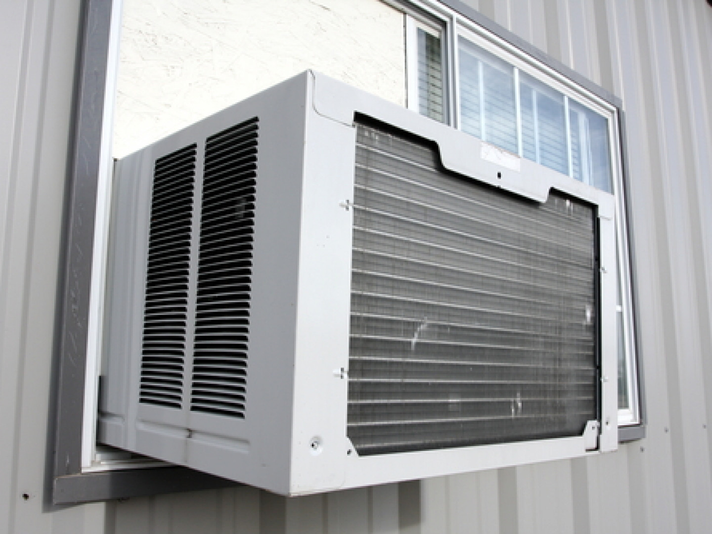 Get Maximum Cooling From a Mini AC Unit